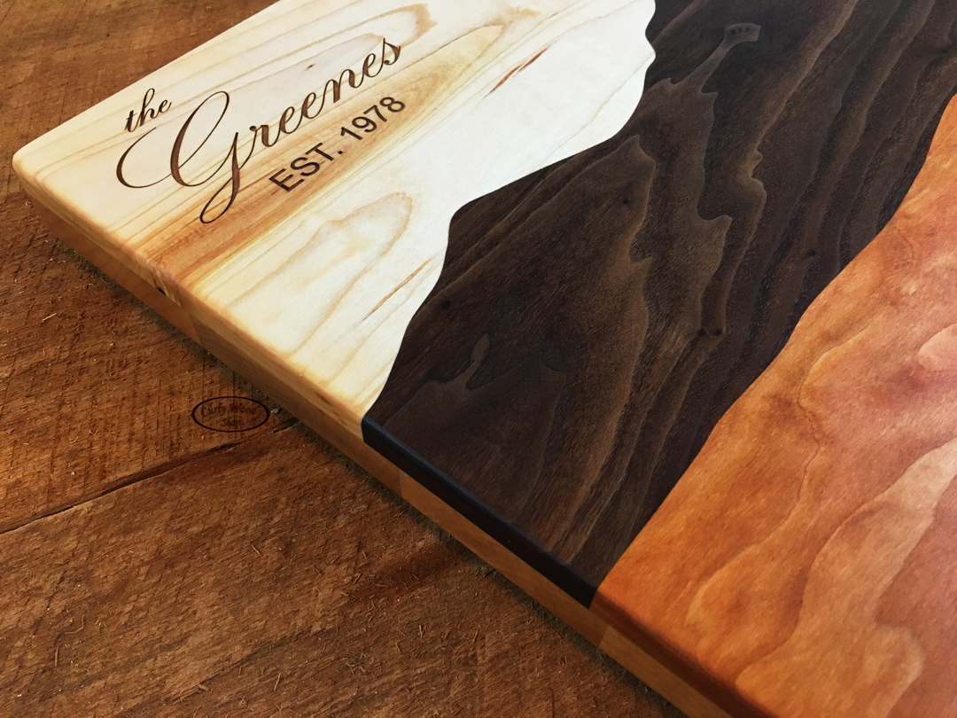 Cutting boards/serving trays-004-mountain-board-engraving-detail-top-thickness.jpg