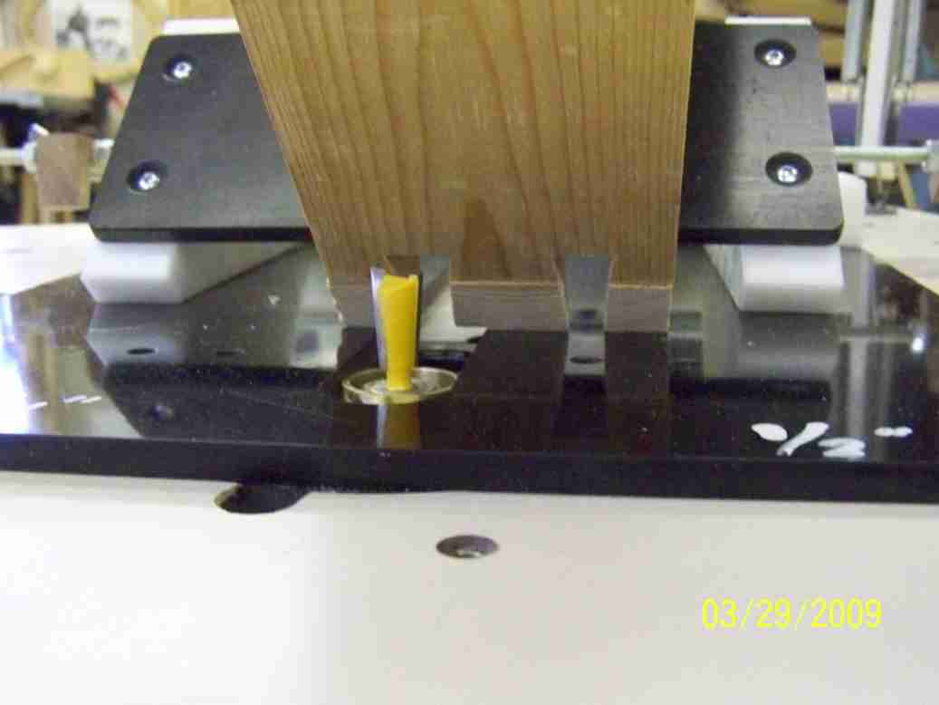Router table guide bushing use router forums for Router table guide