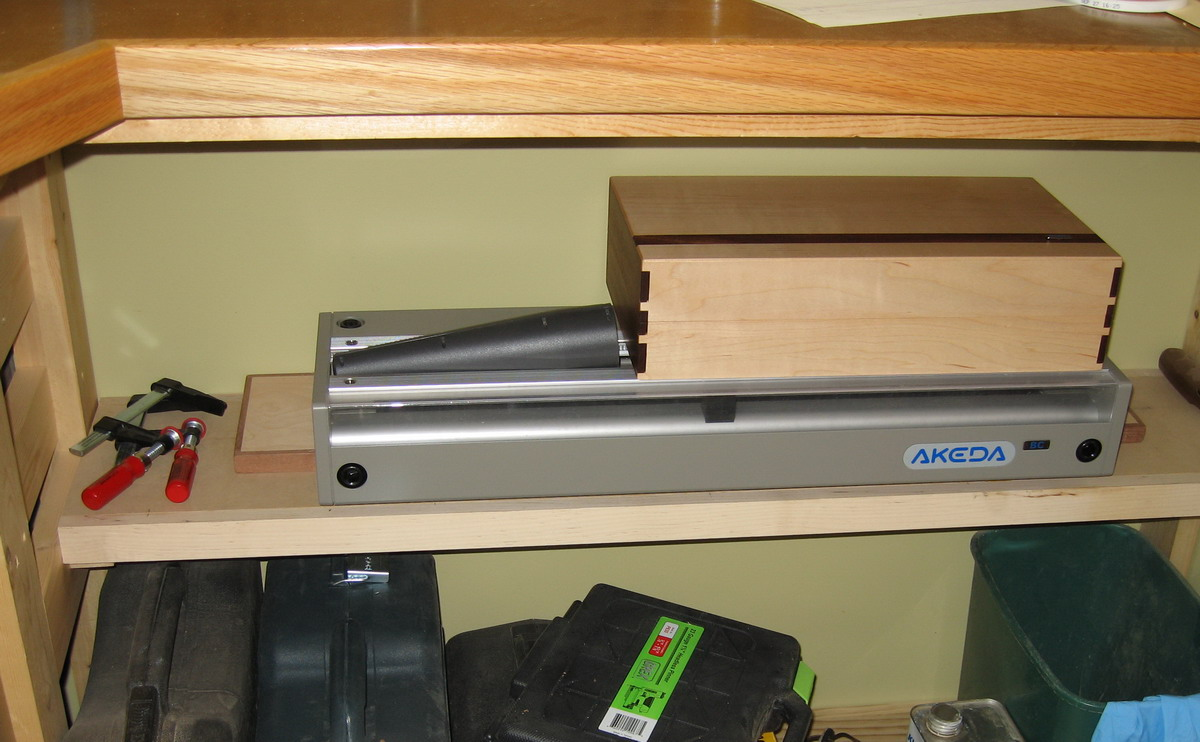 Akeda BC24 Dovetail Jig arrived!-akeda-bc24-stored_resize.jpg