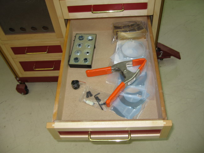 Router Table for Incra LS Positoner completed!-bushings-magnalock-plates.jpg