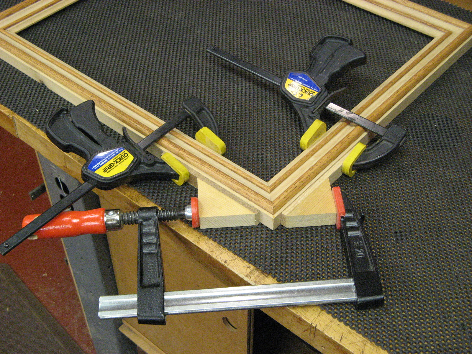 Clamp For Compount Mitered Frame?-clamping_1597.jpg
