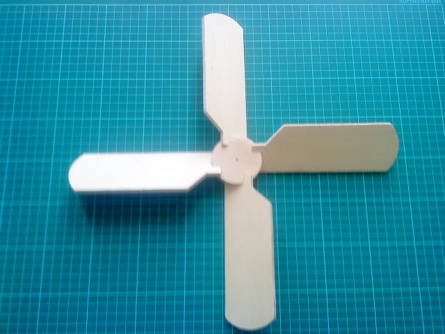4 blade whirligig prop-dsc00352.jpg