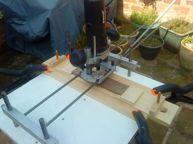 using router to plane and taper thickness of timber-dsc00431.jpg