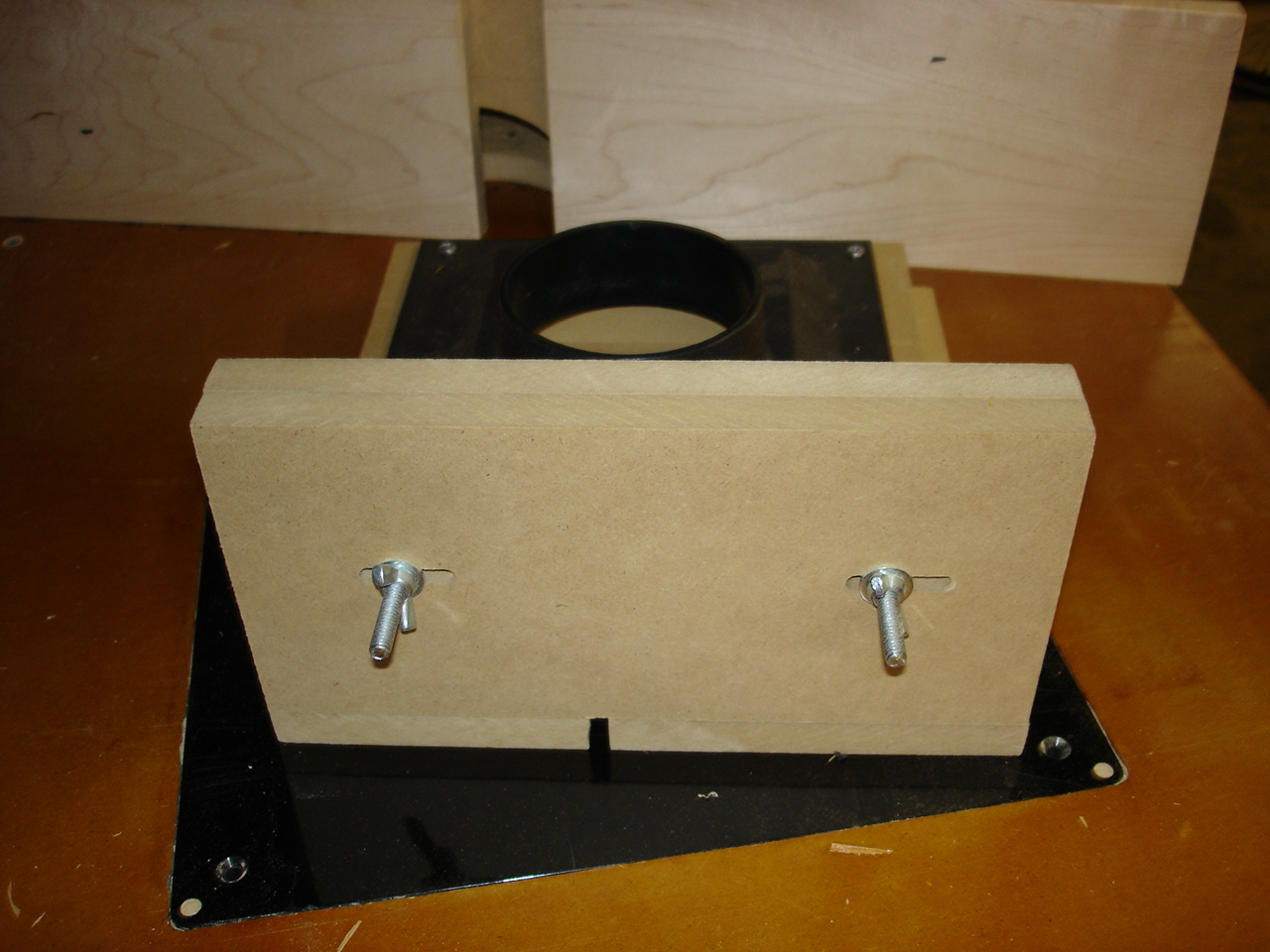 My version of a router box joint jig-dsc00574.jpg