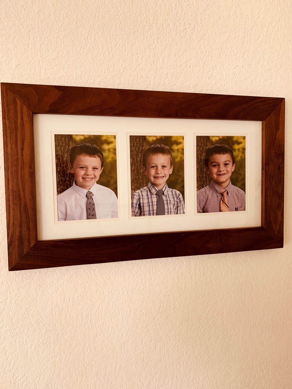 Walnut picture frame of the grandsons-e_resized.jpg