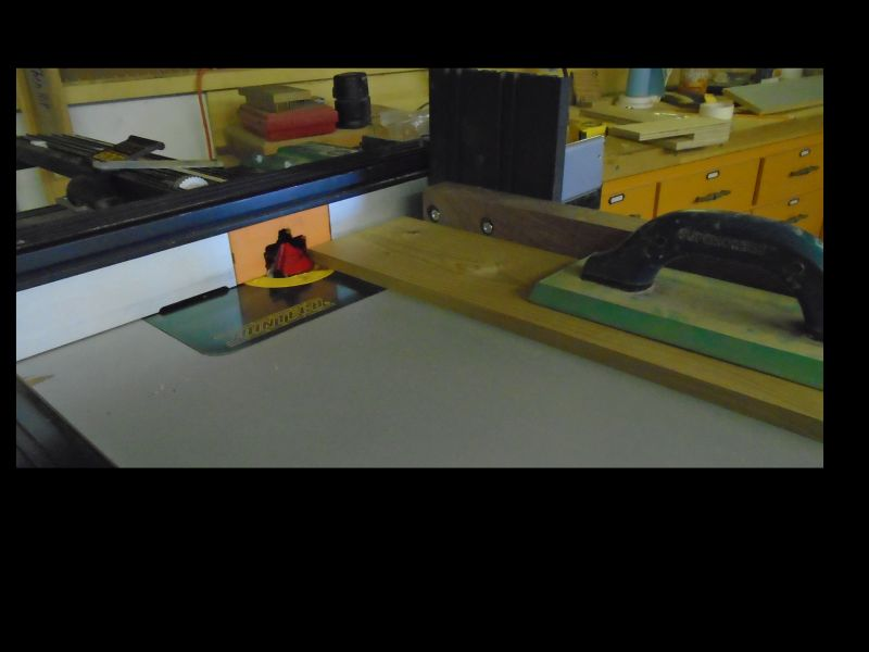 Jig for using a Lock Miter bit on large pieces-horizontal-2-small.jpg