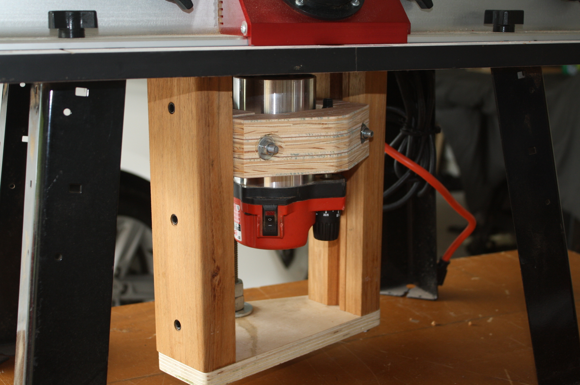 Homemade router table lift - Click Image For Larger Version Name Img_2661 Jpg Views 2785 Size 882 1