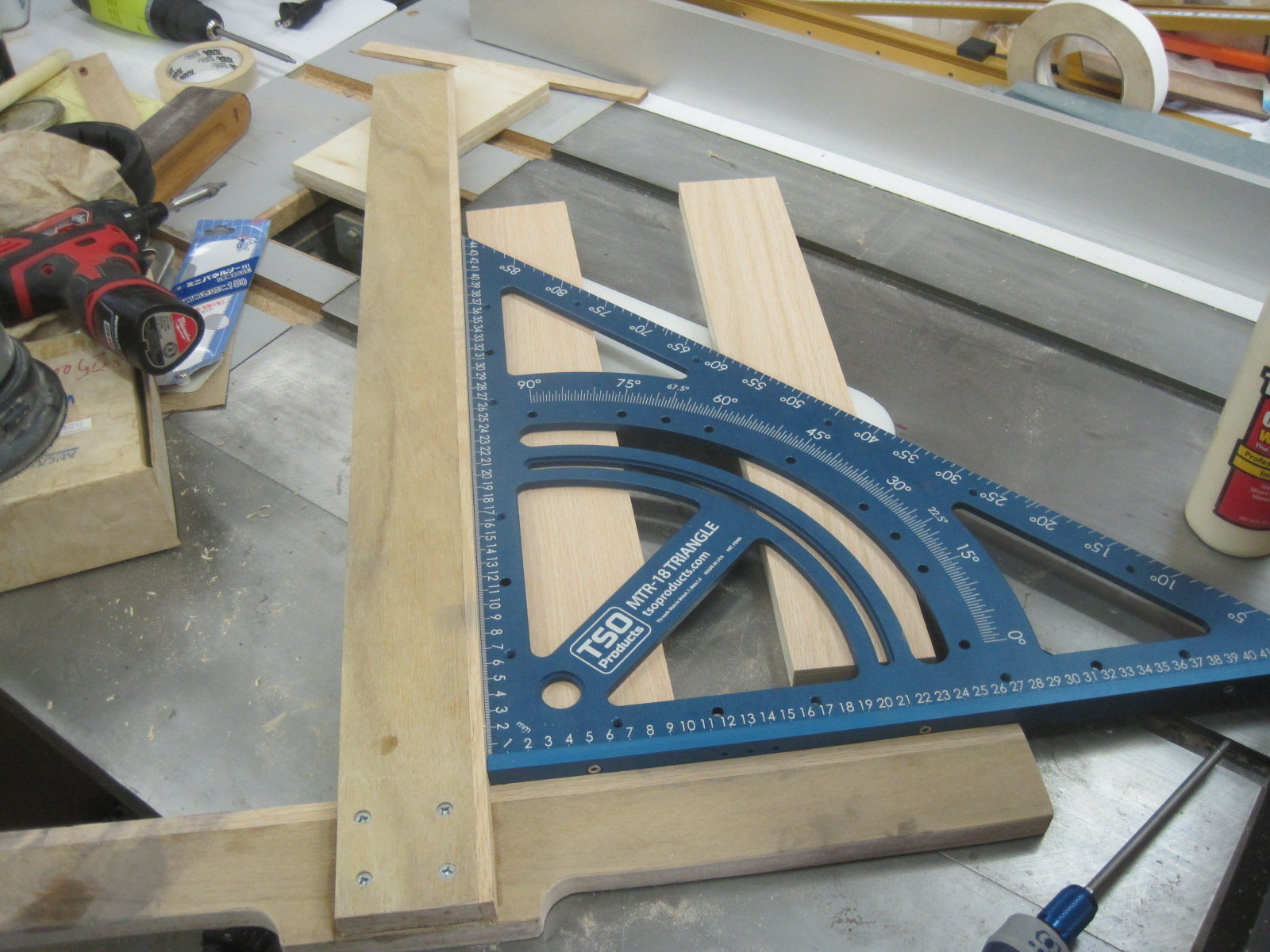 Jig for Cutting Exact Width Dadoes-img_4955.jpg
