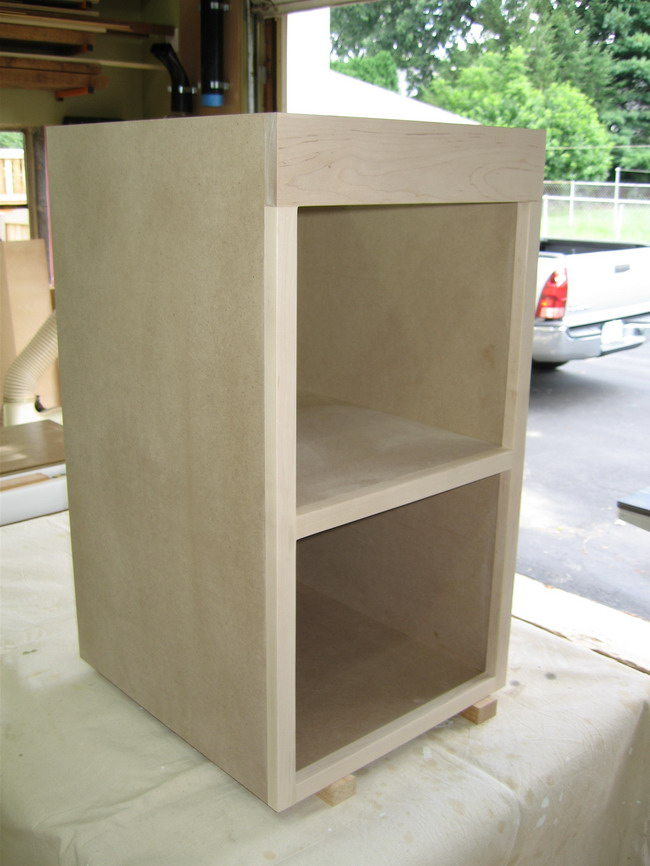 Router Table for Incra LS Positoner completed!-router-cabinet-carcass.jpg