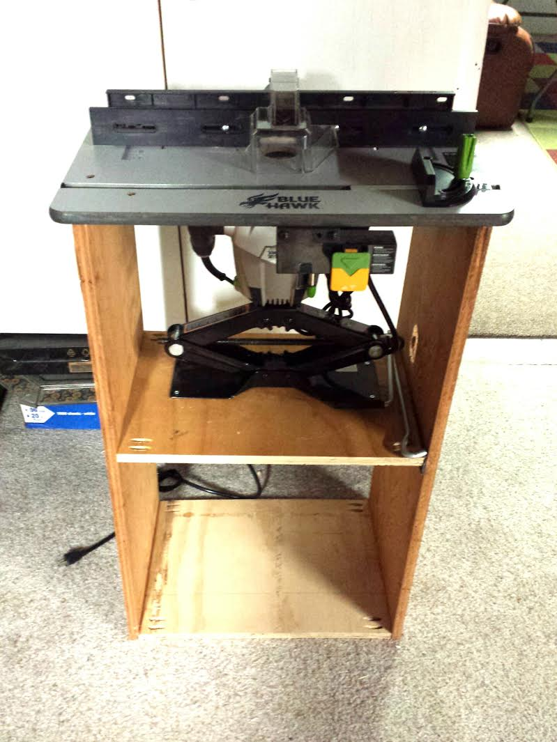 Dewalt 611 router table router image oakwoodclub dewalt 611 router table image oakwoodclub keyboard keysfo Image collections