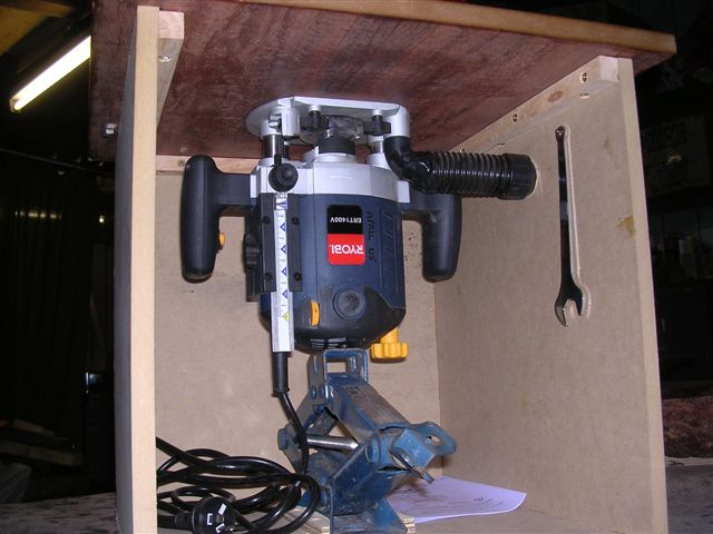 Do i really need a router lift router forums click image for larger version name small router table underneathg views 4614 greentooth Image collections
