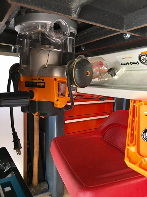 Enclosed router cabinet and heat?-triton_router_mounted.jpg