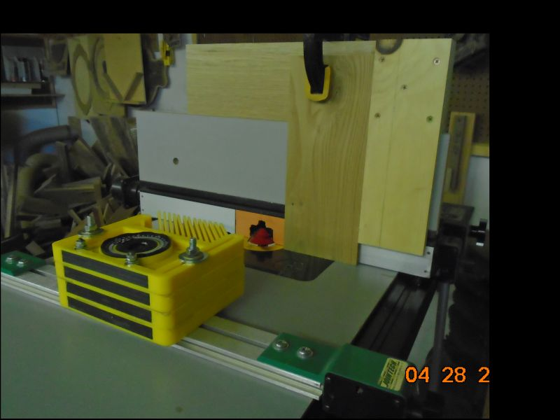 Jig for using a Lock Miter bit on large pieces-vertica-2-small.jpg