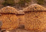 11-creative-log-piles.jpg